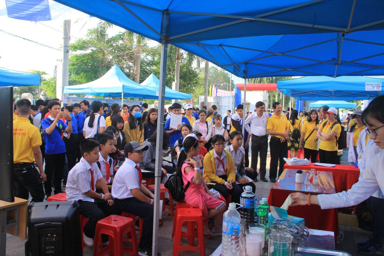 Ngày hội trải nghiệm Khoa học tại Trường Đại học Quy Nhơn